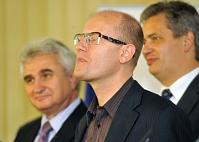 Милан Штех, Богуслав Соботка и Йиржи Динстбир (Фото: ЧТК)