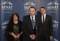 Сенаторы Элишка Вагнерова, Мирослав Антл и Иржи Динстбир (Фото: ЧТК)