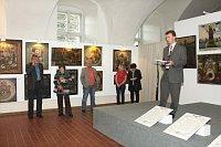 Вернисаж выставки, справа Ян Килиан