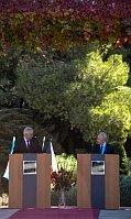 Милош Земан и Шимон Перес (Фото: ЧТК)