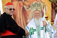 Кардинал Милослав Влк и Святейший Константинопольский патриарх Варфоломей (Фото: ЧТК)
