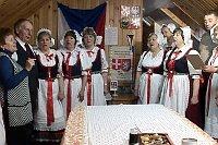 Волынские чехи знают народные песни и танцы лучше, чем многие людя в Чехии (Фото: ЧТ24)
