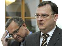 Мирослав Калоусек и Петр Нечас (Фото: ЧТК)