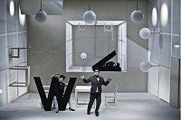 «Корреспонденцию V+W»