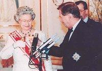 Елизавета Вторая с Вацлавом Гавелом