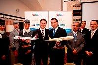 Петер Баумгартнер, директор по торговле компании Etihad Airways, и Мирослав Дворжак, директор компании Czech airlines