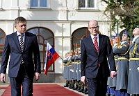Роберт Фицо и Богуслав Соботка (Фото: ЧТК)