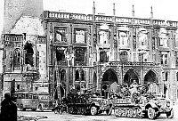 Староместская ратуша после 8 мая 1945