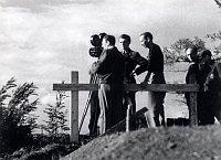 Работники студии «Aktualita» снимают терезинское гетто евреев (Фото: Архив Ивана Фрича)