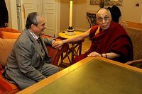Министр инострнных дел ЧР Карел Шварценберг и далай-лама (Фото: ЧТК)