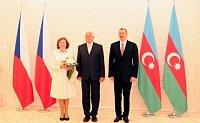 Чешский президент Вацлав Клаус с супругой и президент Азербайджана Ильхам Алиев