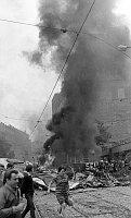 Здание Чехословацкого радио и Виноградская улице 21 августа 1968 г. (Фото: Архив Павела Махачека, Чешское радио)