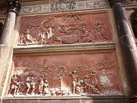 Рельефы в Лоретанской часовне