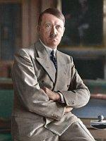 Адольф Гитлер (Фото: Bundesarchiv, Bild 146-1990-048-29A / CC-BY-SA)