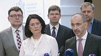 Слева: Збынек Станюра, Мирослава Немцова, Йиржи Поспишил, Мартин Куба и Петр Бендл (Фото: ЧТК)