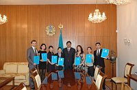 Студенты, Ирина Бекишева и посол Казахстана Анарбек Карашев