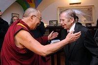 Далай-лама с Вацлавом Гавелом (Фото: ЧТК)