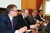 Министр Карел Шварценберг (второй справа) предложил новую проэкспортивную стратегию (Фото: Архив Министерства иностранных дел ЧР, Роберт Янаш)
