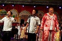 Ида Келарова и детский цыганский ансамбль Čhavorenge (Фото: Томаш Черны, Чешское радио)