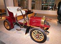 «Воитуретта» - двухцилиндровый автомобиль 1906 года (Фото: Алексей Пономарев)