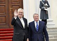 Милош Земан и Йоахим Гаук (Фото: ЧТК)