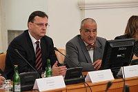 Премьер-министр Петр Нечас и министр иностранных дел Карел Шварценберг (Фото: Архив Правительства ЧР)