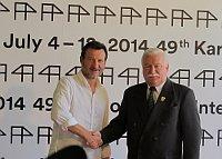 Актер Роберт Вицкиевич и бывший польский президент Лех Валенса (Фото: Кристина Макова, Чешское радио - Радио Прага)
