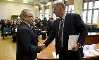 Председатель Аграрной палаты ЧР Ян Велеба и министр сельского хозяйства Петр Бендл (Фото: ЧТК)