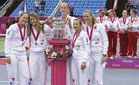 Слева: Люция Градецка, Люция Шафаржова, Петр Пала, Квета Пешке и Петра Квитова (Фото: ЧТК)