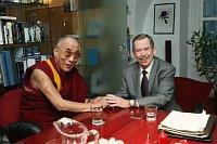 Вацлав Гавел (справа) с Далай Ламой (Фото: Jindrich Mynarik, ISIFA/Lidové noviny)