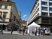 Палатка Радио Прага в центре Праги