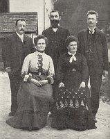 Даниэль Сваровски с семьей (Фото: Архив музея стекла в городе Яблонец-над-нисой)