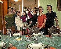 Семья по соседству (Фото: Архив организации «Слово 21»)
