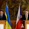 Украина вызывает уважение, аРоссии пора перестать играть впрятки